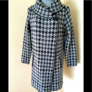 Coat sweater coat houndstooth pattern shawl neck